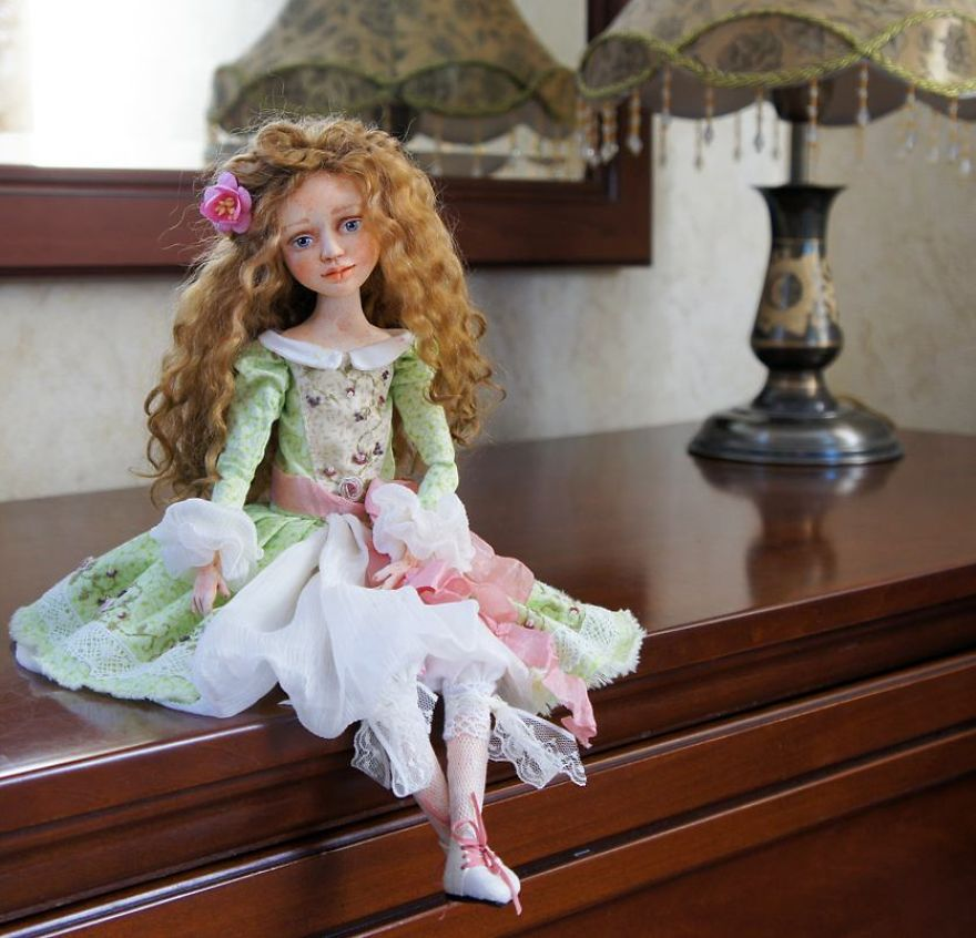 I-Spend-Hours-Creating-My-Art-Dolls-5a25020762a3a__880