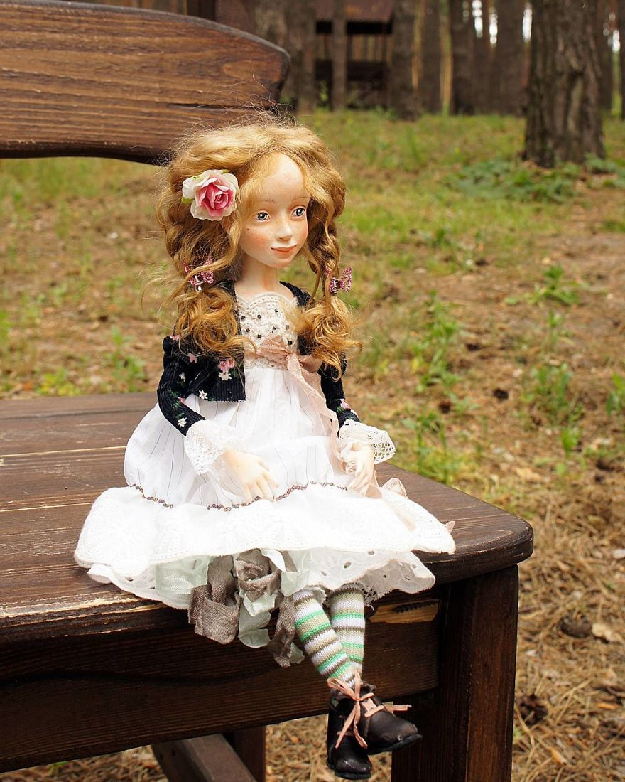 I-Spend-Hours-Creating-My-Art-Dolls-5a25020d462d0__880