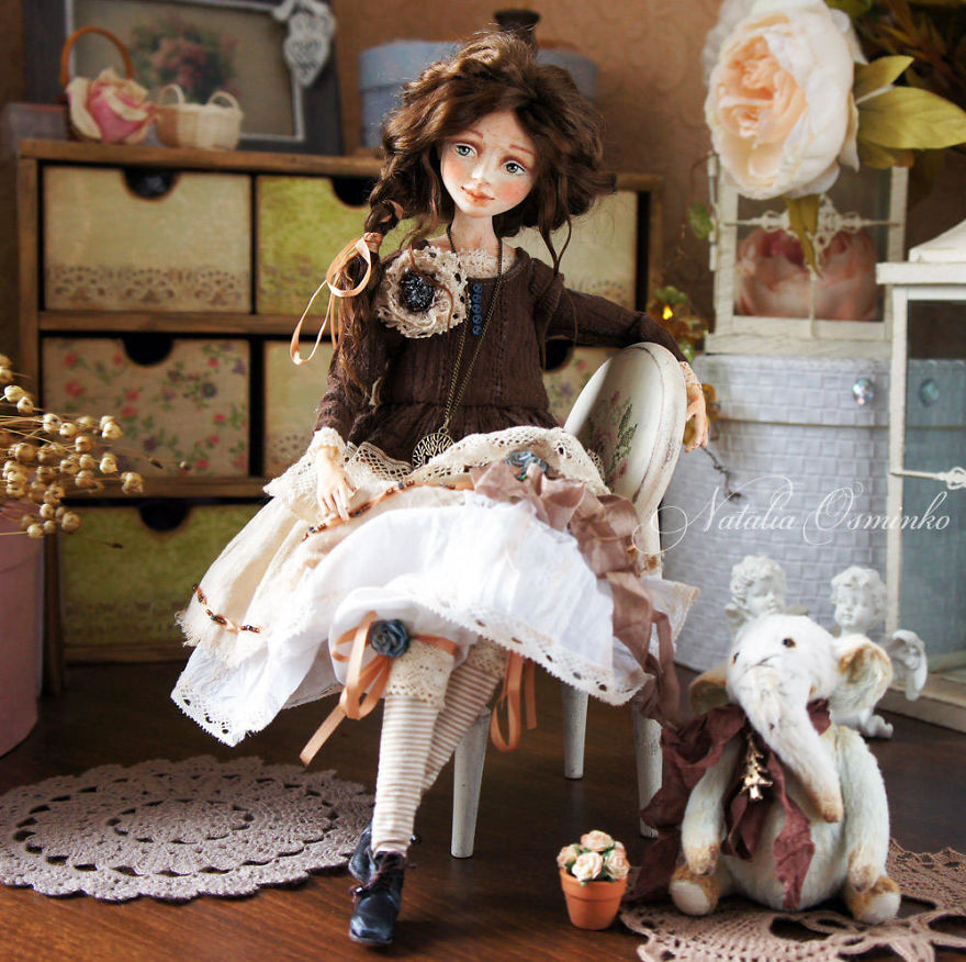 I-Spend-Hours-Creating-My-Art-Dolls-5a2502143e845__880