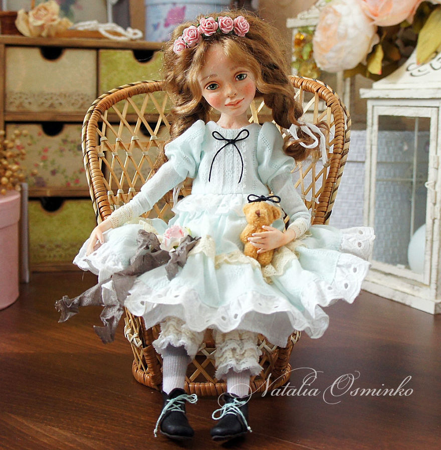 I-Spend-Hours-Creating-My-Art-Dolls-5a25021e7136e__880