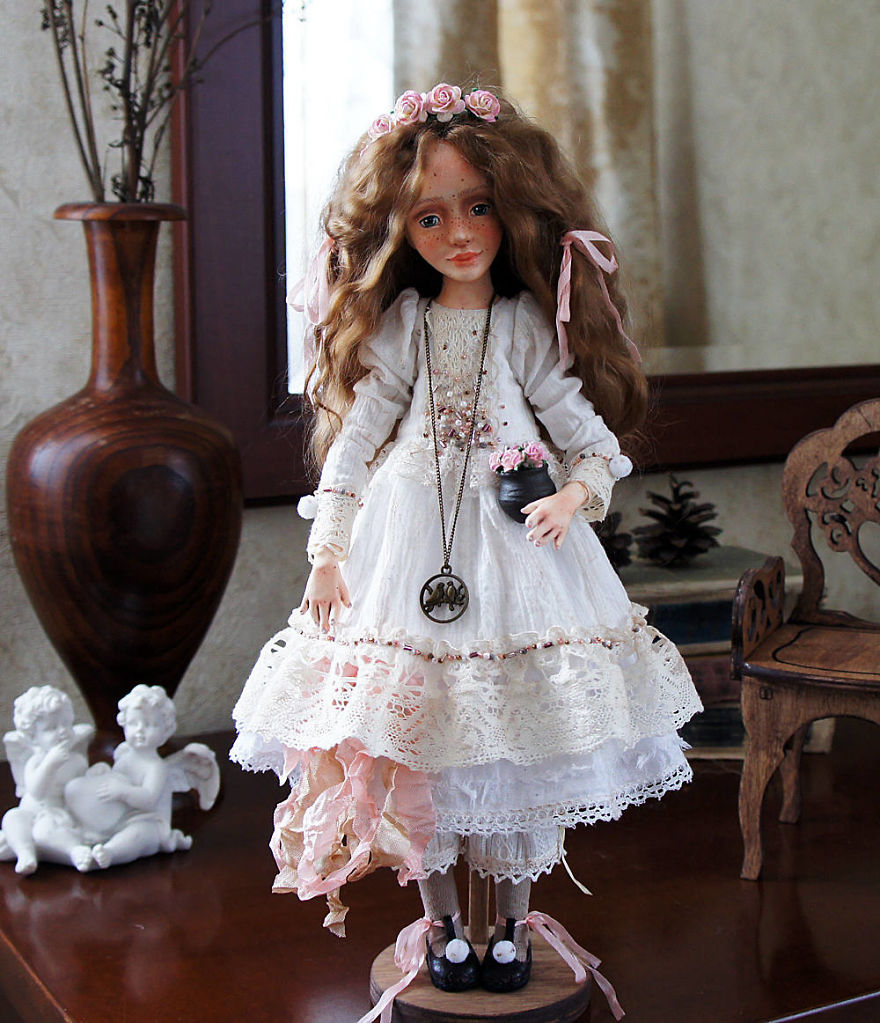 I-Spend-Hours-Creating-My-Art-Dolls-5a25024334fb8__880