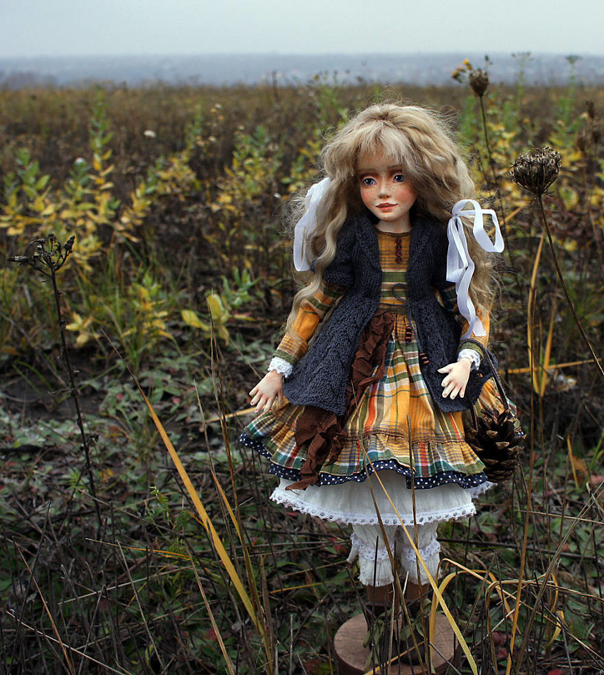 I-Spend-Hours-Creating-My-Art-Dolls-5a25024a4d428__880