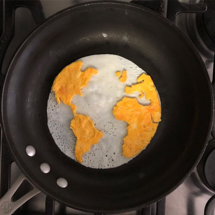 Mexican-artist-turns-eggs-into-amazing-works-of-art-and-youre-sure-to-want-one-of-those-at-breakfast-5a3fa571d77c9__700