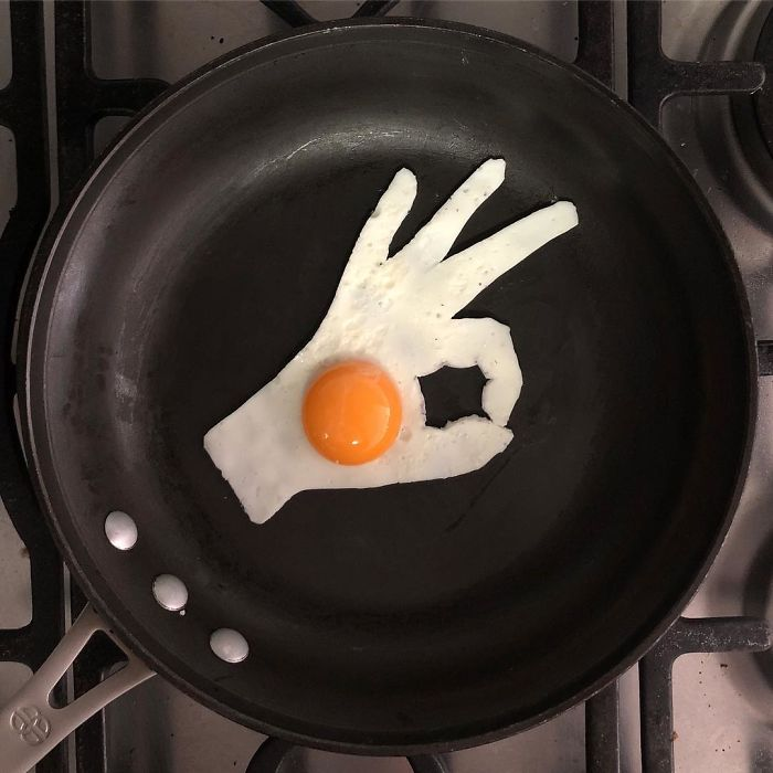 Mexican-artist-turns-eggs-into-amazing-works-of-art-and-youre-sure-to-want-one-of-those-at-breakfast-5a3fa57f401a5__700