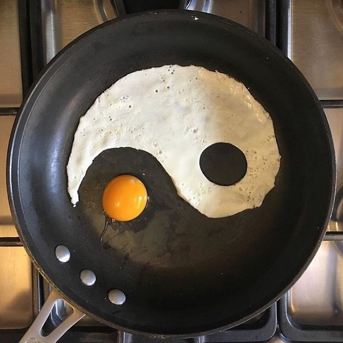 Mexican-artist-turns-eggs-into-amazing-works-of-art-and-youre-sure-to-want-one-of-those-at-breakfast-5a43628d9e8d7__700