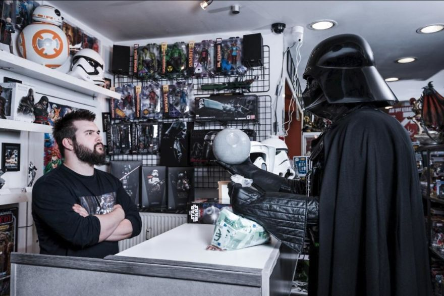 Photographer-imagines-what-it-would-be-like-if-Darth-Vader-went-through-a-financial-crisis-and-the-result-will-amuse-you-5a287c5ad5772__880