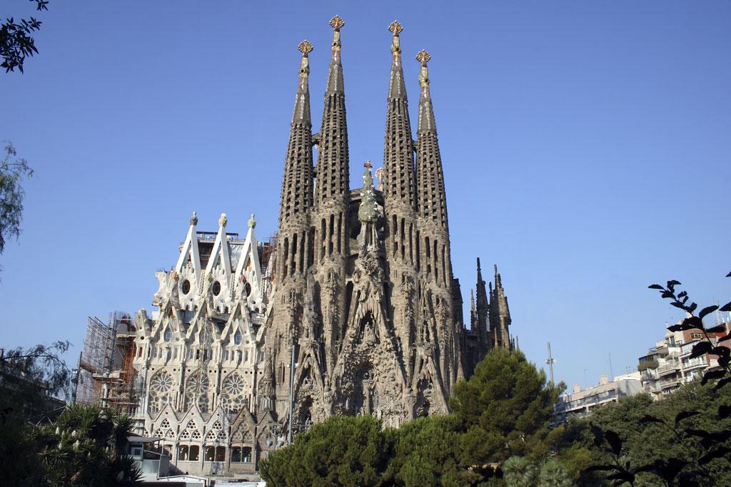 sagrada-familia-barcelona_2c0e2bee