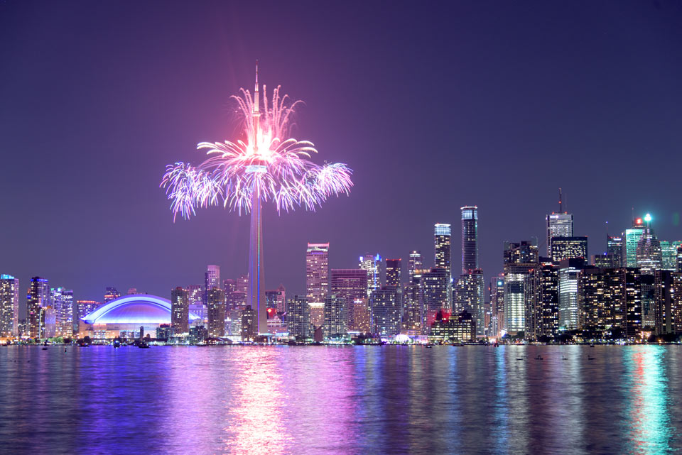 toronto-skyline-fireworks