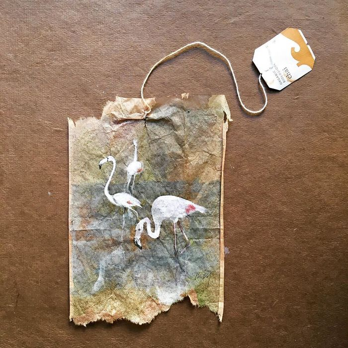Artist-makes-incredible-mini-paintings-in-tea-bags-and-the-result-is-a-big-work-of-art-5a65b7638b85e__700