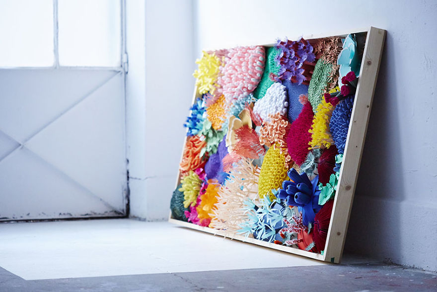 Ive-spent-4-months-to-create-this-coral-piece-with-paper-5a744be95451e__880