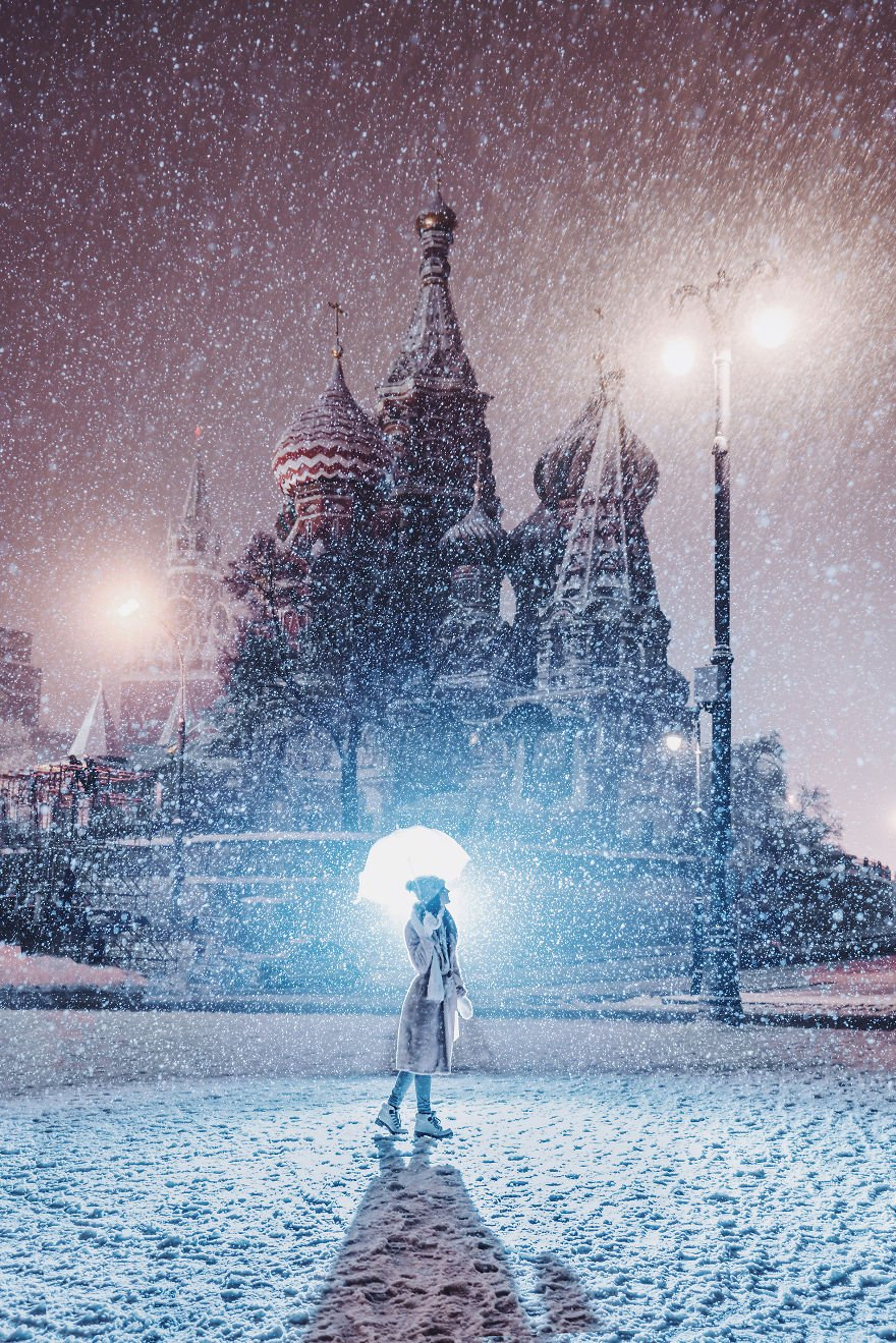 Moscow-during-a-snowfall-really-looks-magically-5a794ef0033df__880