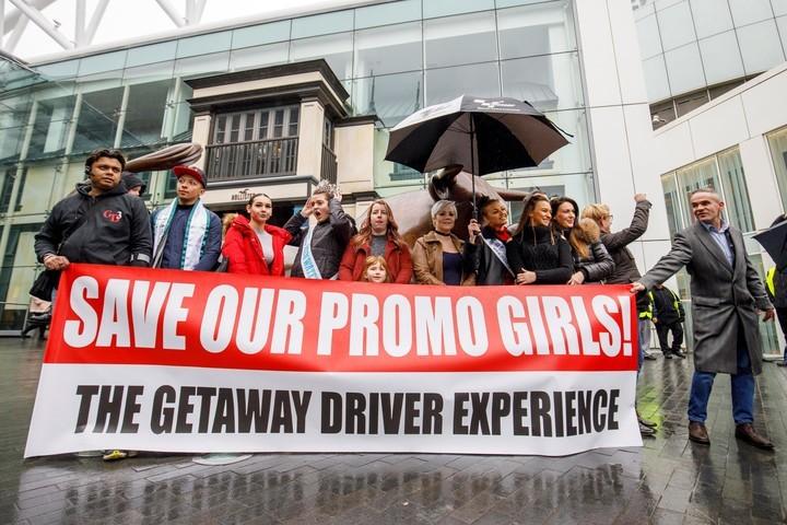 Una de las protestas contra la F1 por el uso de promotoras.