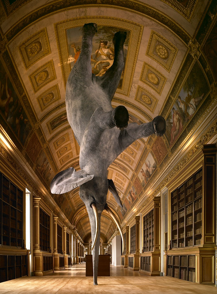 sculptures-defying-gravity-laws-of-physics-135-5a4b33efd186d__700