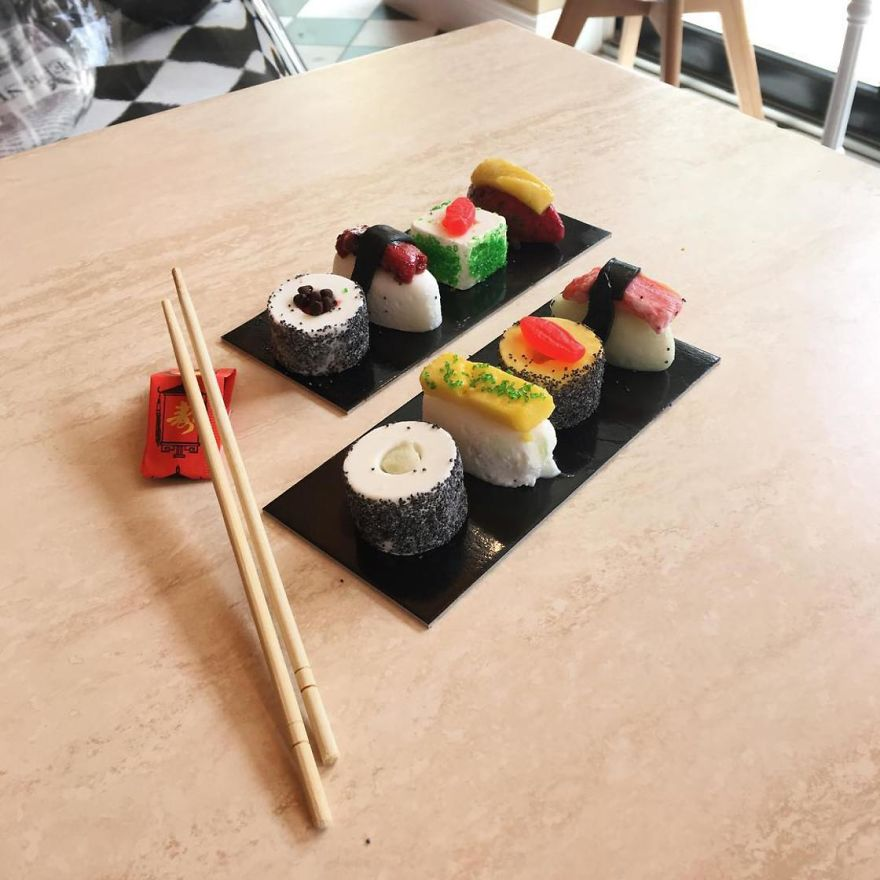 ice-cream-sushi-3-5aba937f4a4bd__880
