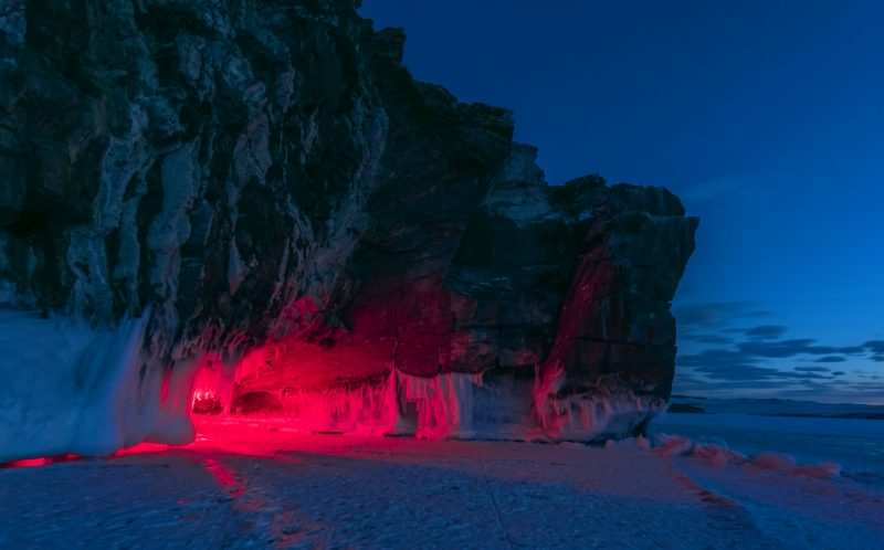 15_CATERS_CAVE_OF_ICE_AND_FIRE_09-800x498
