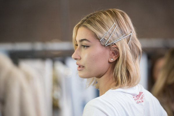 Hailey+Baldwin+Zadig+Voltaire+Backstage+February+2lXc11_l_shl