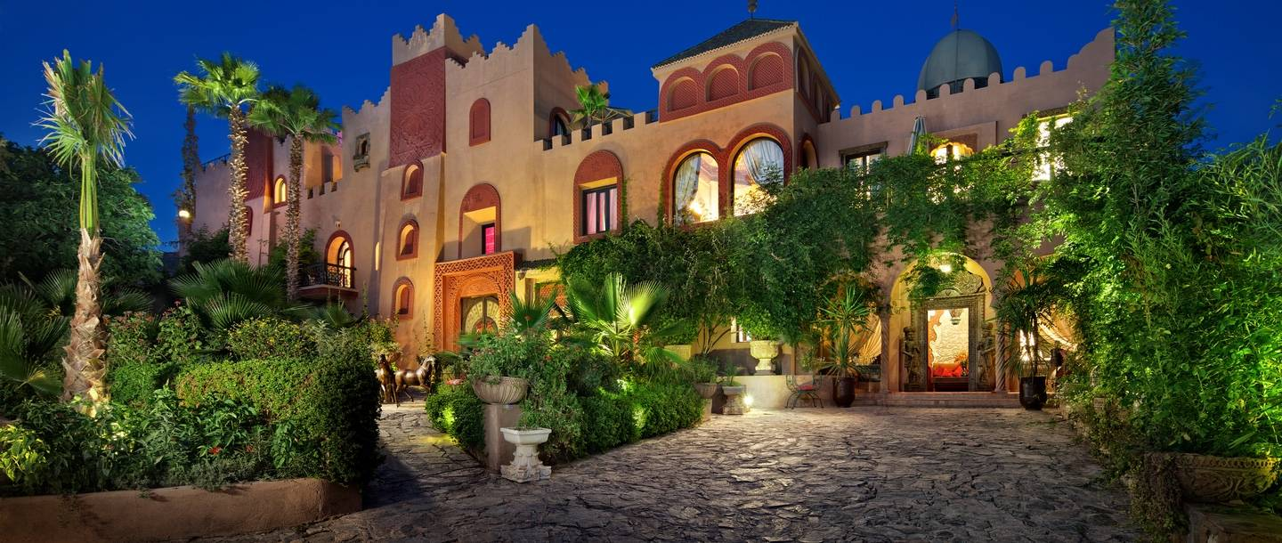 7-kasbah-tamadot-at-night_11e81a38