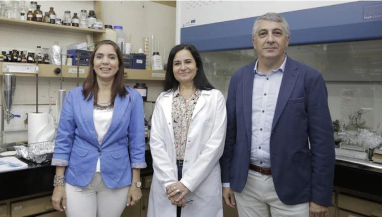 Los desarrolladores de la fórmula contra la calvicie son Claudia Anesini,Roberto Davicino y María Rosario Alonso