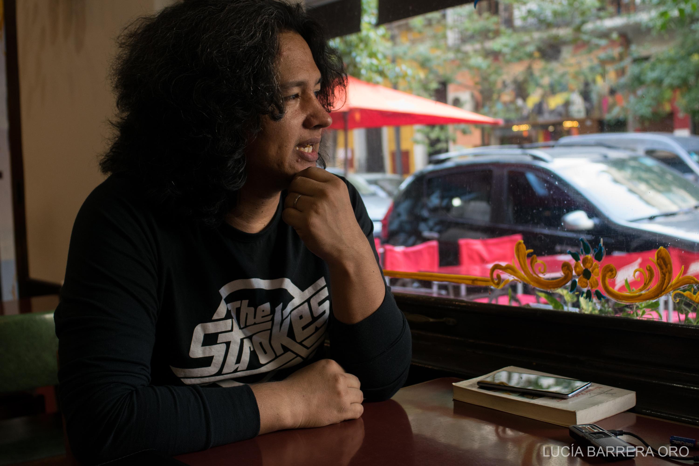Entrevista a Walter Lezcano, periodista, escritor, creador del sello editorial Mancha de aceite y profesor de Lengua y Literatura. Buenos Aires, 29/03/2018.