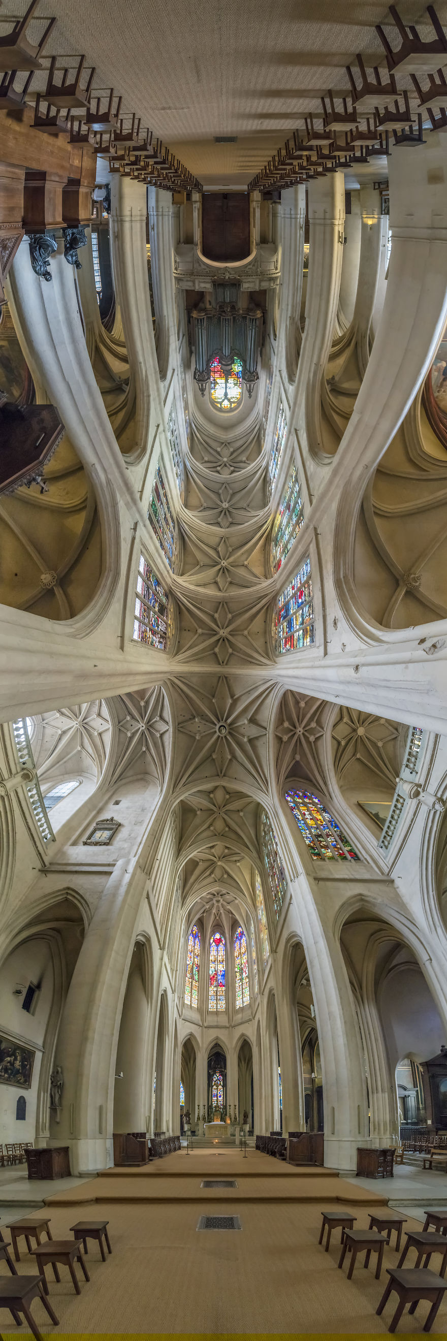 I-Traveled-to-Paris-and-Photographed-Churches-in-a-Vertical-Panorama-5afb56cf6f131__880