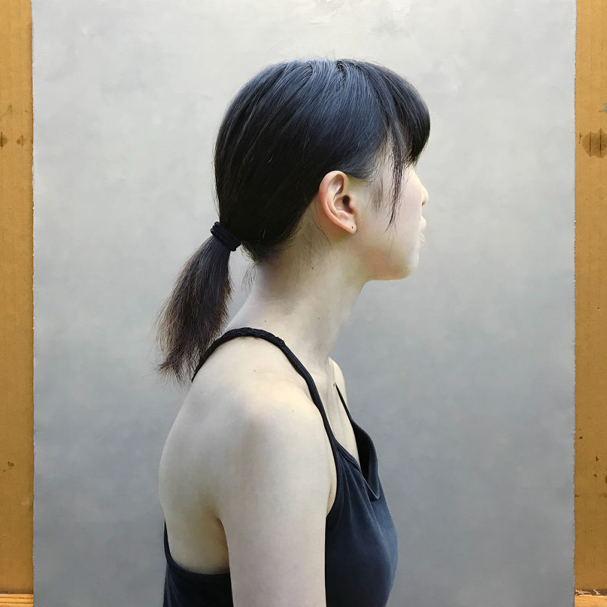 Japanese-make-hyper-realistic-portraits-and-you-would-surely-confuse-them-with-photographs-5afa1e08beb08__880