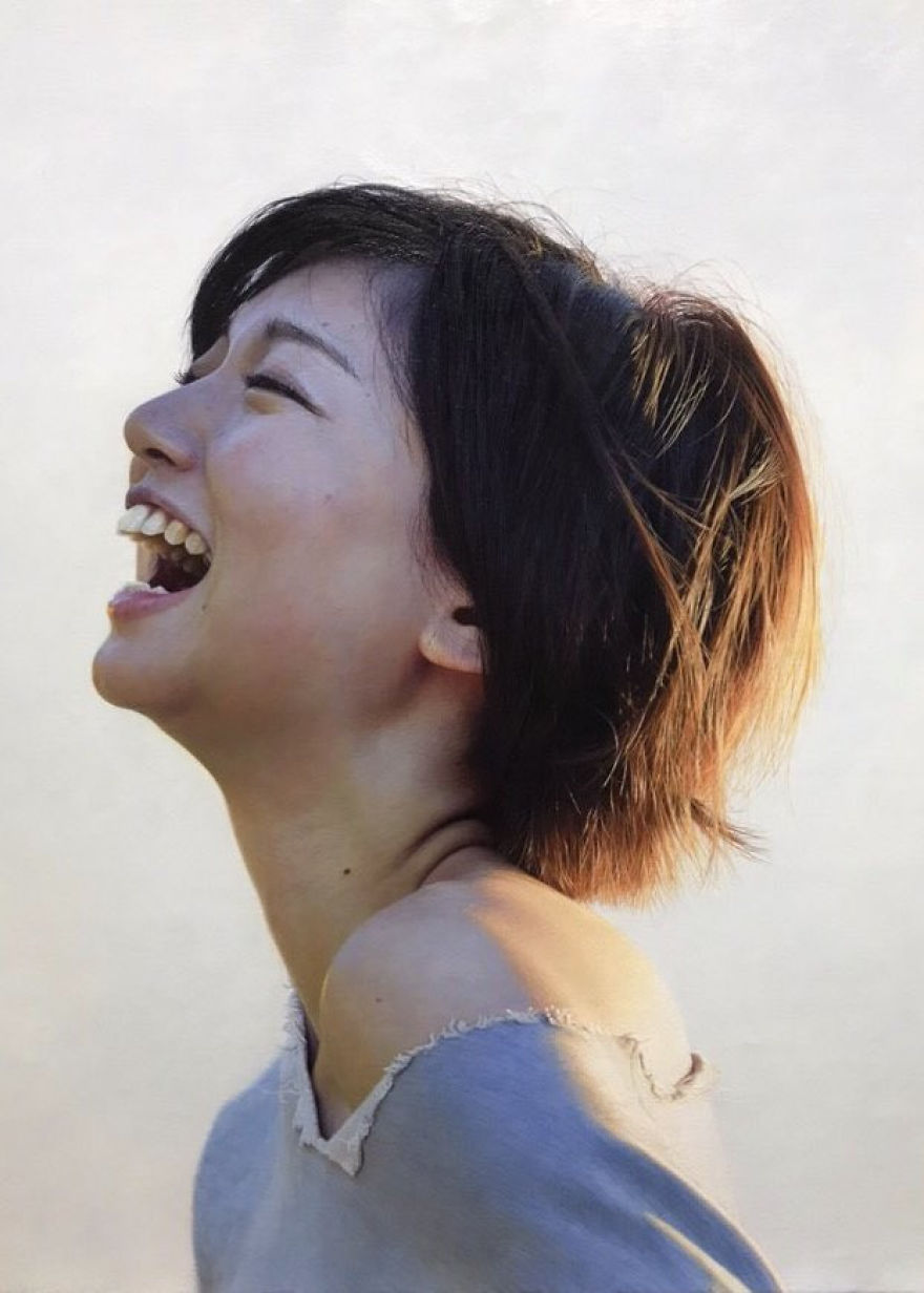 Japanese-make-hyper-realistic-portraits-and-you-would-surely-confuse-them-with-photographs-5afa1e7b66122-png__880