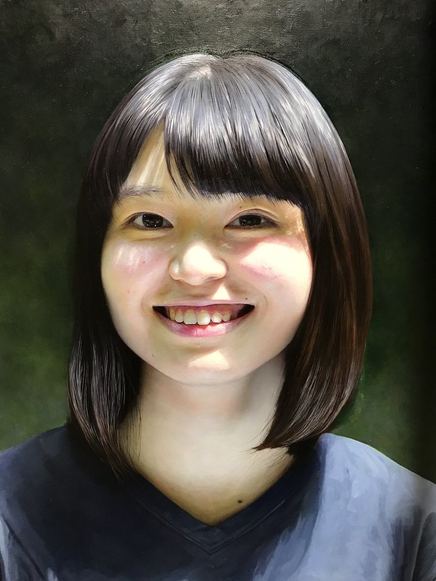 Japanese-make-hyper-realistic-portraits-and-you-would-surely-confuse-them-with-photographs-5afa21b75585e__880