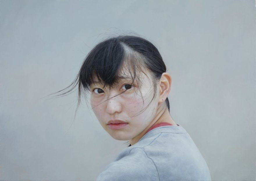 Japanese-make-hyper-realistic-portraits-and-you-would-surely-confuse-them-with-photographs-5afa2245a6e74__880