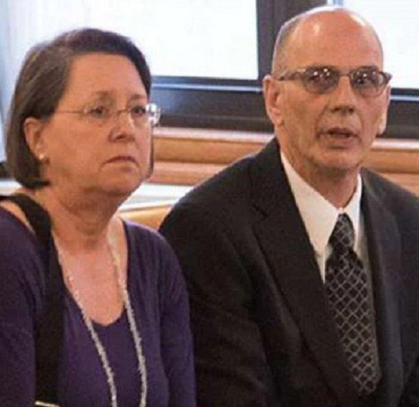 Los padres, Christina y Mark Rotondo, en la Justicia neoyorquina