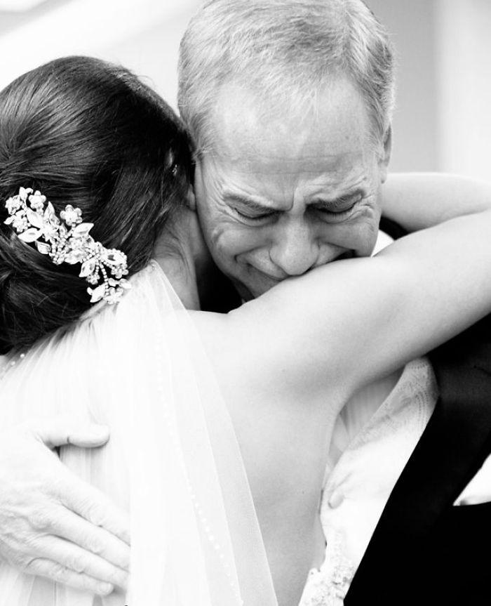 father-of-bride-reaction-59dcbb8eb17c5__700