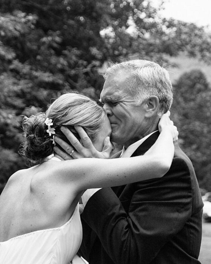 father-of-bride-reaction-59dcbbc575c89__700