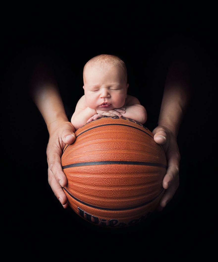 future-basketball-player-justGaba-photography-5b196e627e447-png__880