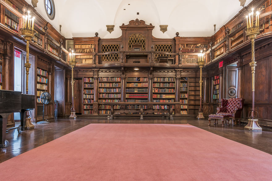 House-of-the-Redeemer-Library-New-York-NY-5b15c7ebcbe7b__880