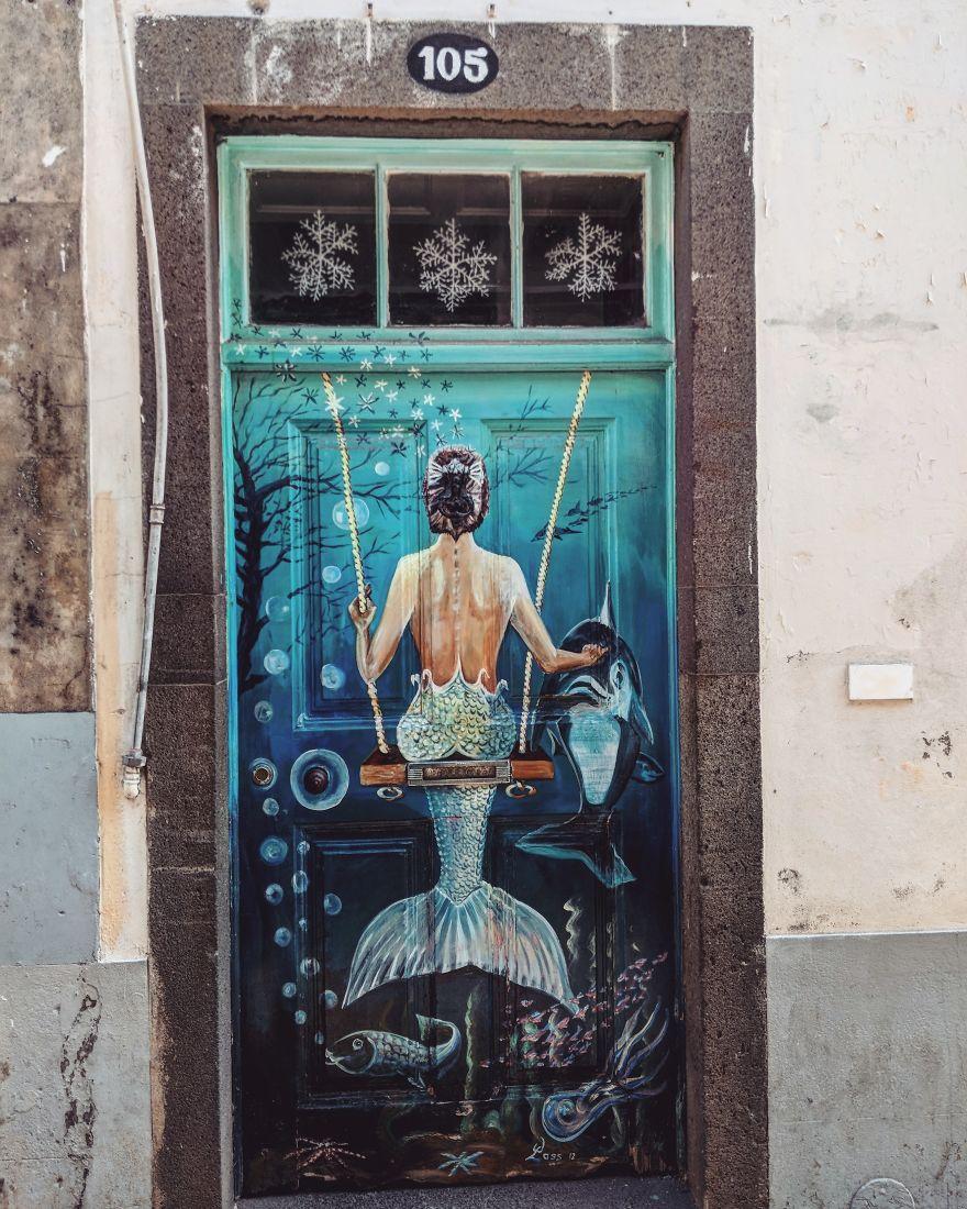 I-photographed-the-hidden-beauty-of-Madeira-Its-beautiful-doors-5b238cf9acbb5__880