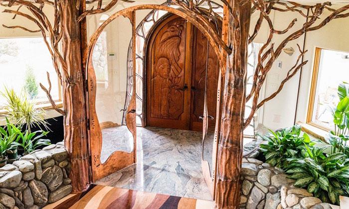mini-kingdom-treehouse-ashland-oregon-4-5b322c70e4b73__700