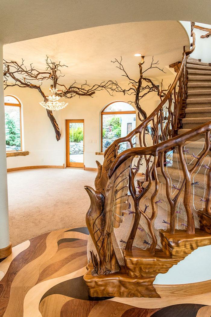 mini-kingdom-treehouse-ashland-oregon-5b322ea0ef0cf__700
