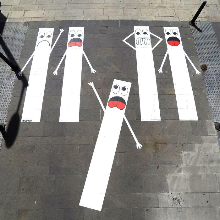 Street-artist-makes-Frances-pedestrian-tracks-become-much-more-fun-5b31fde2c603b__700