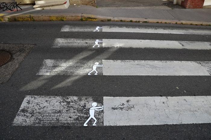 Street-artist-makes-Frances-pedestrian-tracks-become-much-more-fun-5b31fde69afd0__700
