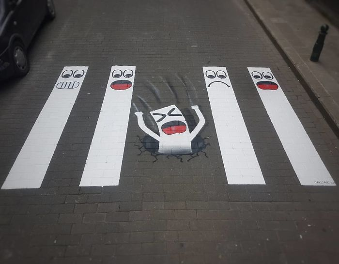 Street-artist-makes-Frances-pedestrian-tracks-become-much-more-fun-5b31fdeacb830__700