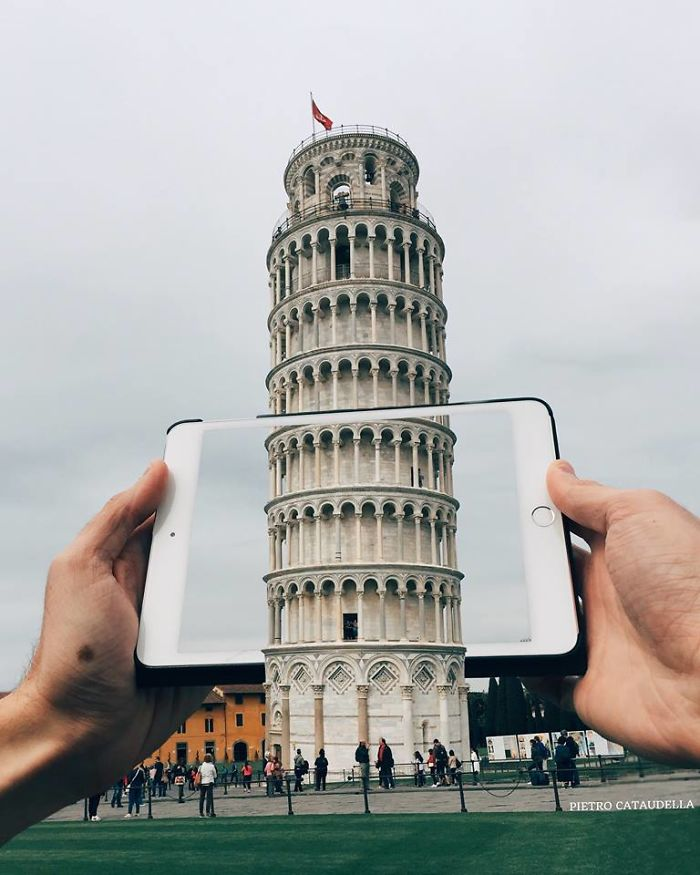This-is-what-happens-when-a-Moleskine-and-a-camera-come-together-bringing-a-lot-of-beauty-to-the-urban-landscapes-5b2b69003e34f__700