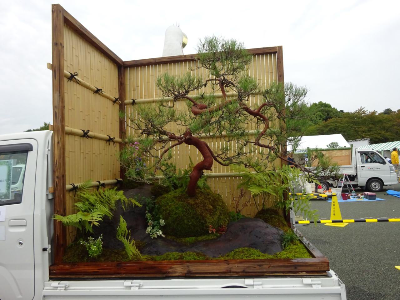 truck-garden-4-640x480@2x