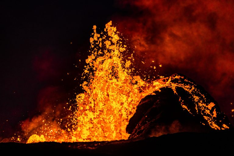 14_CATERS__ARTISTIC_HAWAII_VOLCANO_15-768x512