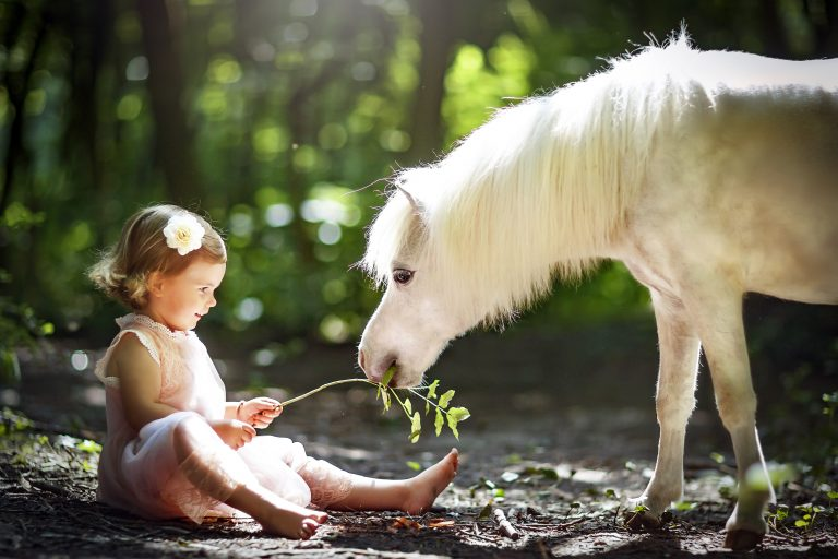 9_CATERS_MINI_HORSES_AND_KIDS_10-768x512