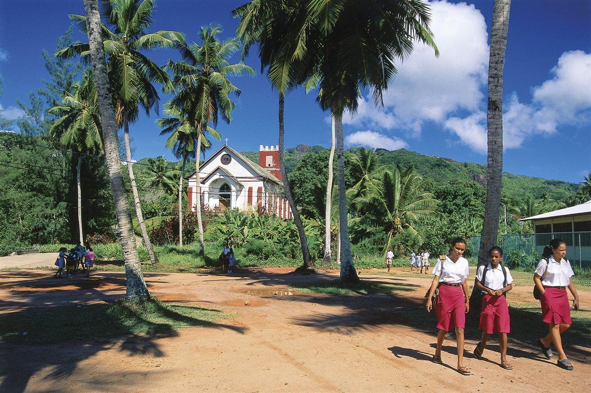 iglesia-catolica-seychelles_37d0bbda_1200x797