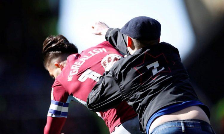 #Video Aficionado del Birmingham City golpea a capitán del Aston Villa