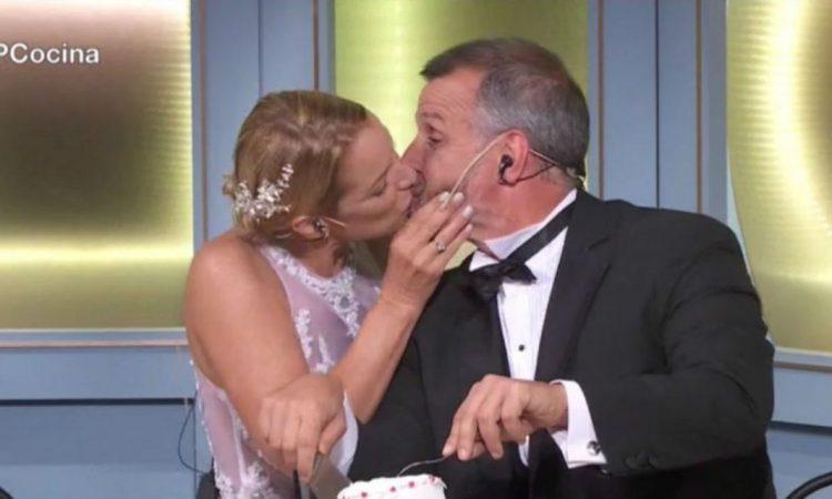 El sorpresivo beso entre Carina Zampini y Christian Petersen