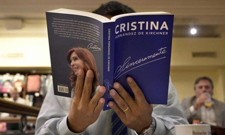 Bonadío busca embargar las ganancias de Cristina por su libro