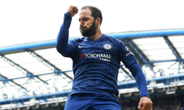 Gonzalo Higuaín aportó en la goleada del Chelsea
