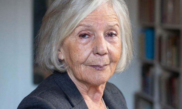 Sarlo criticó el permiso de circulación para los mayores