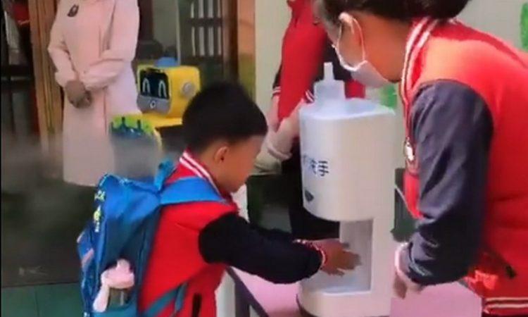 El estricto protocolo que cumplen los alumnos para ir a clases — China